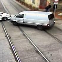 Accidentul de pe strada Crizantemelor, surprins de camerele de supraveghere
