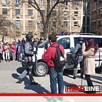 TionTV: Demonstratii ale mascatilor la IPJ Timis