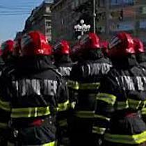 Ceremonie militară și religioasă, paradă și standuri de informare, de Ziua Pompierilor