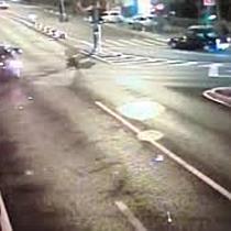 VIDEO: Un Șofer trece pe roșu și izbește altă mașină, la Timișoara