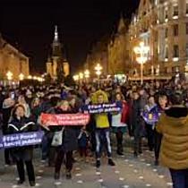 """Timișorenii s au strâns în Piața Victoriei unde protestează împotriva """"statului represiv"""" 2"""