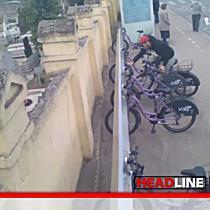 TionTV: Tanar filmat in timp ce fura o bicicleta dintr-o statie RATT