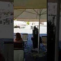 Politisti locali pe scutere in zonele pietonale din Timisoara. Robu: Nu au voie decat la urgente