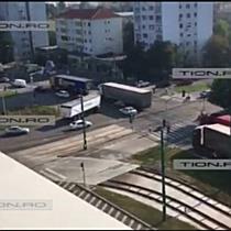 Blocaje in trafic si claxoane, la Timisoara. Transportatorii protesteaza fata de pretul RCA