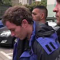 Tanar saltat de politie dupa ce a jefuit un casino cu cutitul, la Timisoara