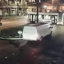 Polițist militar rănit după ce a intrat cu mașina de serviciu într un tramvai, la Timișoara