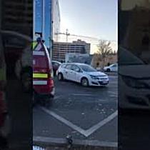 Clienta la spital dupa ce un taximetrist a plecat din statie fara sa se asigure, la Timisoara