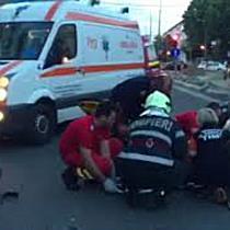 Doi tineri la spital dupa ce un motociclist a depasit linia continua si a provocat un accident