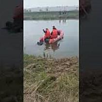 Cadavrul unui bărbat scos de pompieri din râul Bega, la ieșire din Timișoara spre Utvin