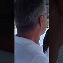 Catamaran cu motor electric – lansat pe Lacul Surduc  Ambarcațiunea transportă turiștii gratuit