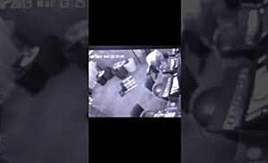 Barmaniță lovită cu scaunul în cap și tâlhărită, la Timișoara