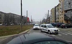 Taximetristii ameninta ca vor bloca orasul