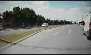 Sofer filmat in timp ce circula pe contrasens, la iesire din Timisoara spre Sacalaz