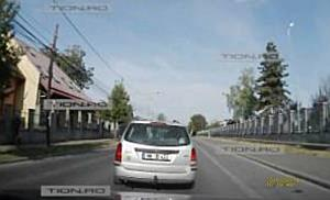 Sofer agresiv filmat in timp ce ii sicana pe ceilalti conducatori, la Timisoara