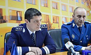 Doi tineri acuza politistii din Timisoara ca i-au batut cu bestialitate