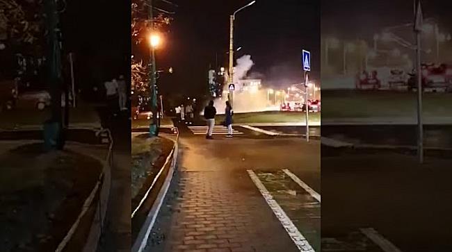 Stâlp cuprins de flăcări la Timișoara