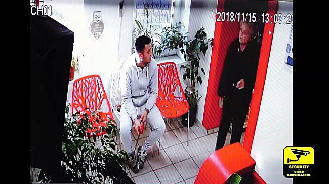 Tanar filmat in timp ce fura din portofelul unei cliente intr-un cabinet veterinar din Timisoara