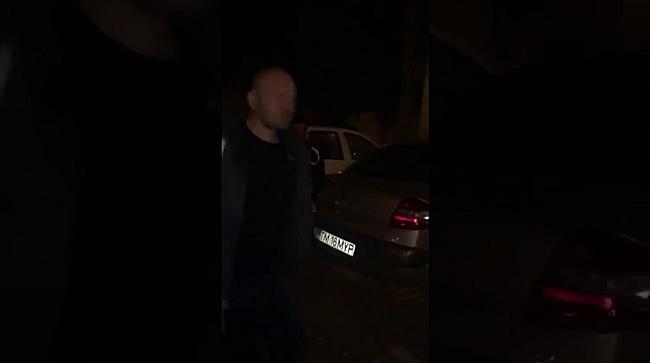 Bărbat reținut după ce a spart o locuință din care a furat un pistol