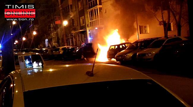 Incendiu violent in Calea Girocului. Doua masini distruse complet si doua avariate 2