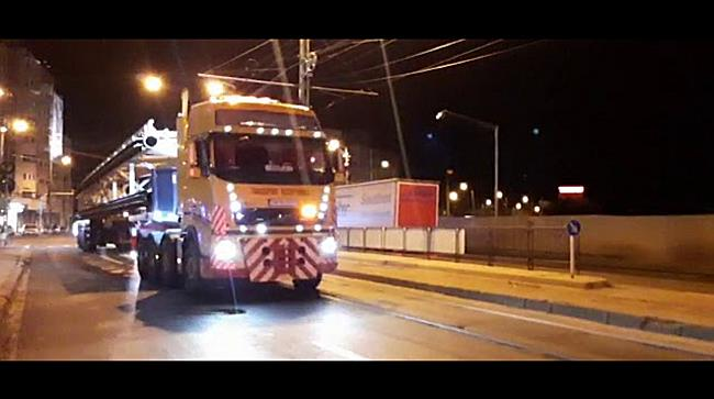 Transportul grindei pentru Podul Eroilor