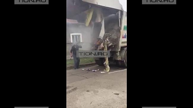 Masina RETIM cuprinsa de flacari, la Timisoara