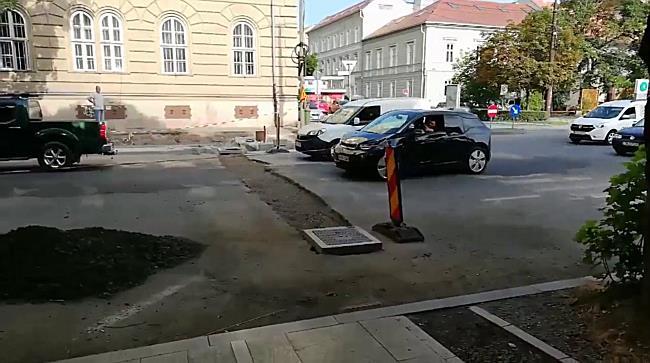 Șanțul drumarilor de lângă Punctele Cardinale, coșmar pentru șoferi